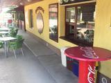 Kondoroson főút mellett új tulajdonosát keresi, nagy vendégkörrel rendelkező büfé, hamburgerező