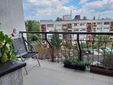 16. kerületben, Egyedi építésű házban, lakás eladó!