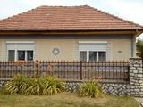 Arnót főutcáján 145 m2-es családi ház eladó