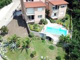 Opatija Icici, 103 m2-es lakás (nyaraló), medencével, közel a tengerhez, kikötőhöz eladó!